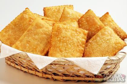 Pastel---Deep-fried-empanadas